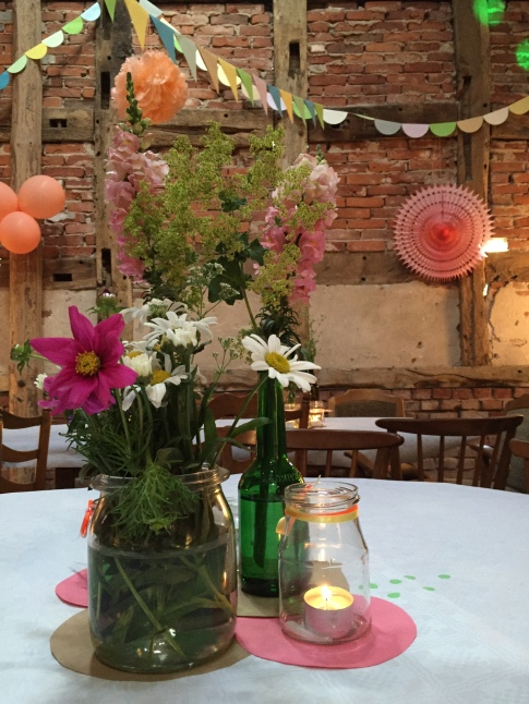 Hochzeitsdeko einfach selbstgemacht - bald mehr auf meinem Blog ...