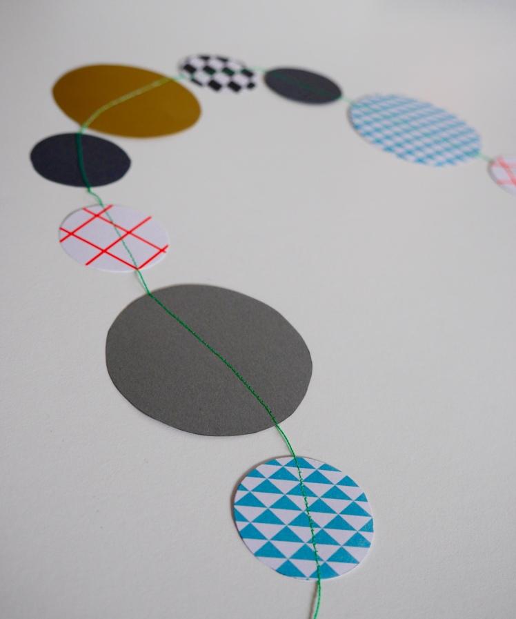 DIY Girlande aus Papier nähen